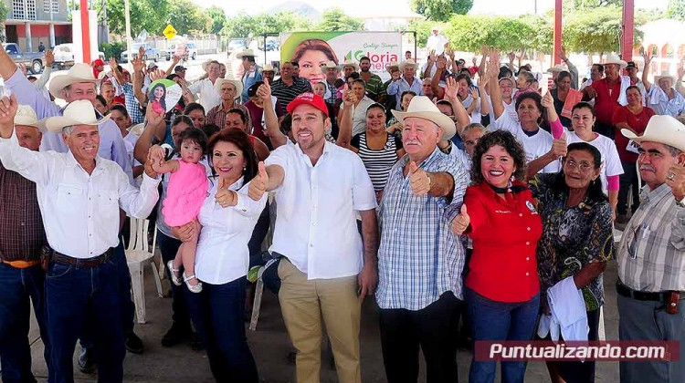 La candidata a diputada federal Gloria Himelda Fèlix lleva propuestas al Valle Mocorito