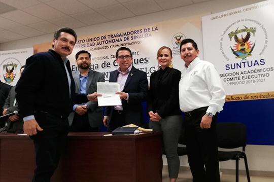 SUNTUAS-Académicos-entrega-Paquete-Económico-a-trabajadores-del-Emplazamiento-a-Huelga-2018-19,-URCN-UAS.26.02-(12)(1)